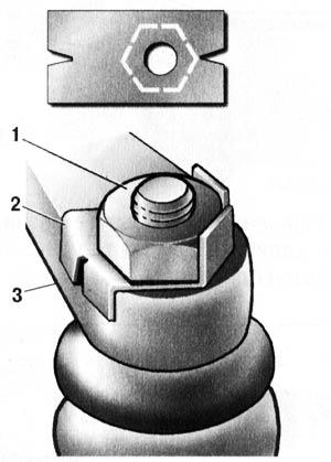 Контровка гайки нижней шаровой опоры