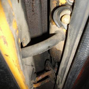 Защитная трубка проводки дверей